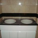 WC em Granito Zimbabwe e Mármore Creme Marfil